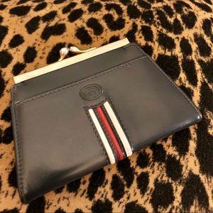 Gucci Leather Kisslock Change Purse